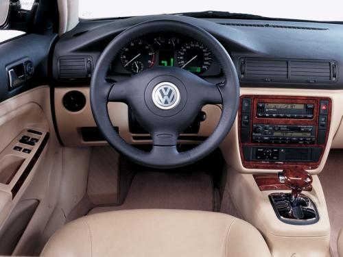 motori,auto,volkswagen,passat,volkswagen passat,volkswagen passat serie 4,berlina,variant,velocita,prestazioni,consumi,