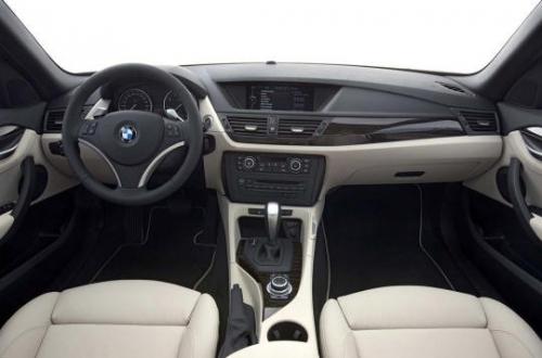 motori,auto,bmw,x1,bmw x1,suv,crossover,suv bmw,velocita,prestazioni,allestimenti,motorizzazioni,dimensioni,consumi,prezzo