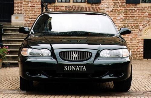 hyundai,sonica,sonata,hyundai sonica,hyundai sonata,familiare,berlina,velocita,prestazioni,motorizzazioni,allestimenti,prezzo,consumi