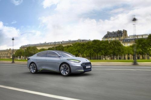 motori,auto,renault,fluence z.e.,renault fluence z.e.,concept car,auto elettrica,auto ecologica,velocita,prestazioni,consumi,emissioni,