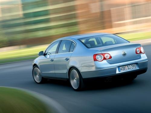 motori,auto,volkswagen,passat,volkswagen passat,volkswagen passat serie 6,berlina,variant,velocita,prestazioni,consumi,