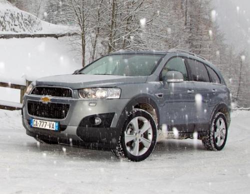 motori,auto,chevrolet,captiva,chevrolet captiva 2011,suv,velocita,prestazioni,prezzo,motorizzazioni,