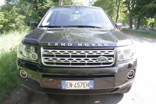motori,auto,land rover,freelander,freelander 2,land rover freelander,land rover freelander 2,fuoristrada,suv,suv compatto,velocita,prestazioni,motorizzazioni,allestimenti,prezzo,consumi
