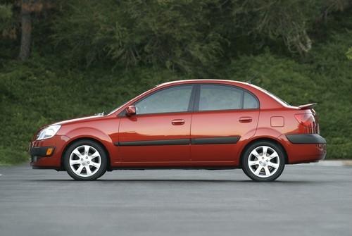 motori,auto,kia,rio,kia rio 2,rio de,berlina,velocita,prestazioni,motorizzazioni,auto ibrida,kia rio hybrid,